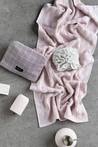 Bilde av Mette Ditmer Geo dusjhåndkle rose