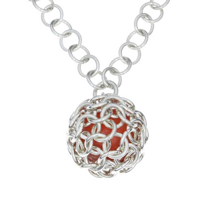 Bilde av Sølvnett med rødt glass