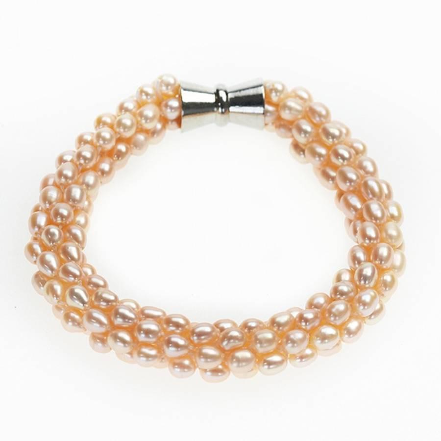 Perlearmbånd med magnetlås, fersken/hudfarget