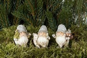 Bilde av Julenisse på pinne m/juletre