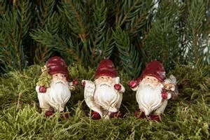 Bilde av julenisse på pinne rød 6 cm