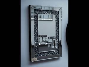 Bilde av Speil med krystaller i lys