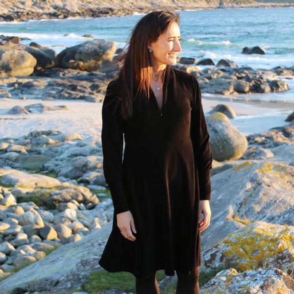 Bilde av Louise kjole babycord sort