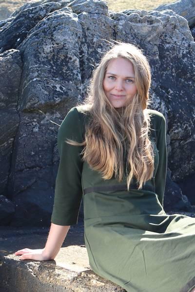 Bilde av Magda olivengrønn kjole