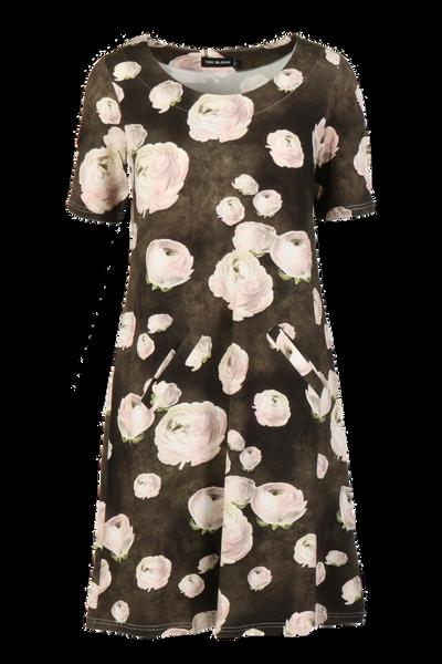 Image of Ranunculus  dress D36