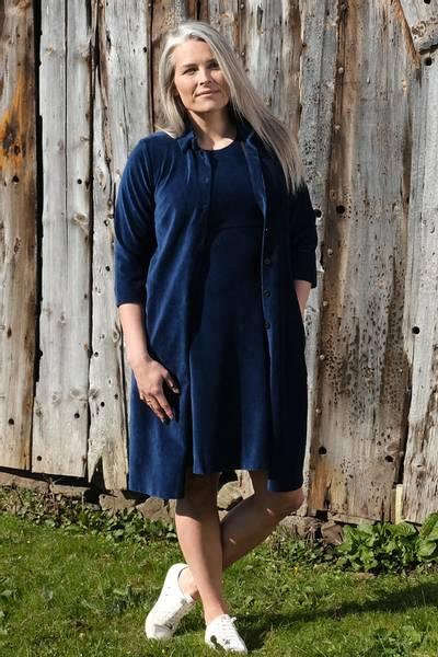 Image of Silje navyblue shirt dress