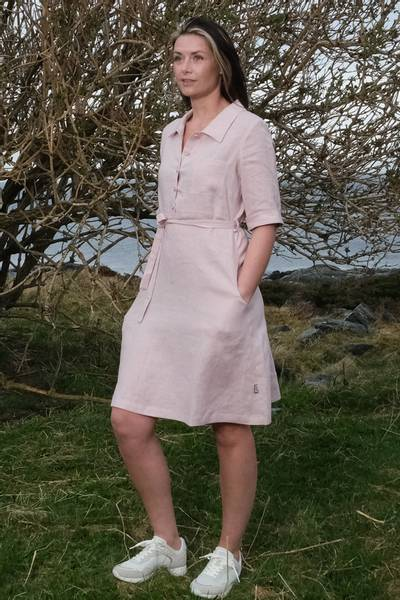 Image of Tine ligth pink linendress