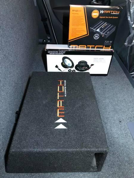 Bilde av Stereo oppgraderingspakke  Volkswagen m/10 basskasse VW Amarok /
