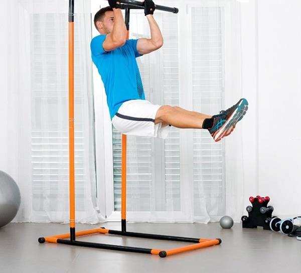 Kuva Pull-Up Rack -harjoituskone ja kuntoasema