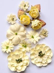 Bilde av 49 and Market - Country Blooms - Cream