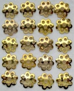 Bilde av Storyteller - 077 - halvrund metall blomst - messing