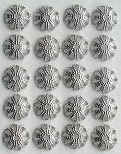 Bilde av Storyteller - 015 - Halvrund metall blomst - Sølv