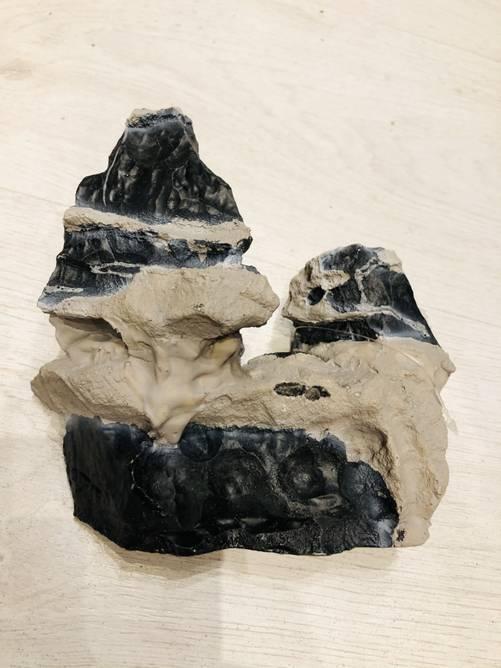 Bilde av Kunstig Grå og Sort klippe