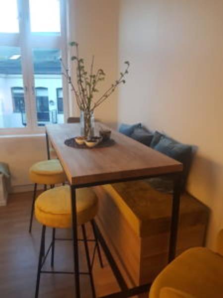 Kjøkkenbord med stoler