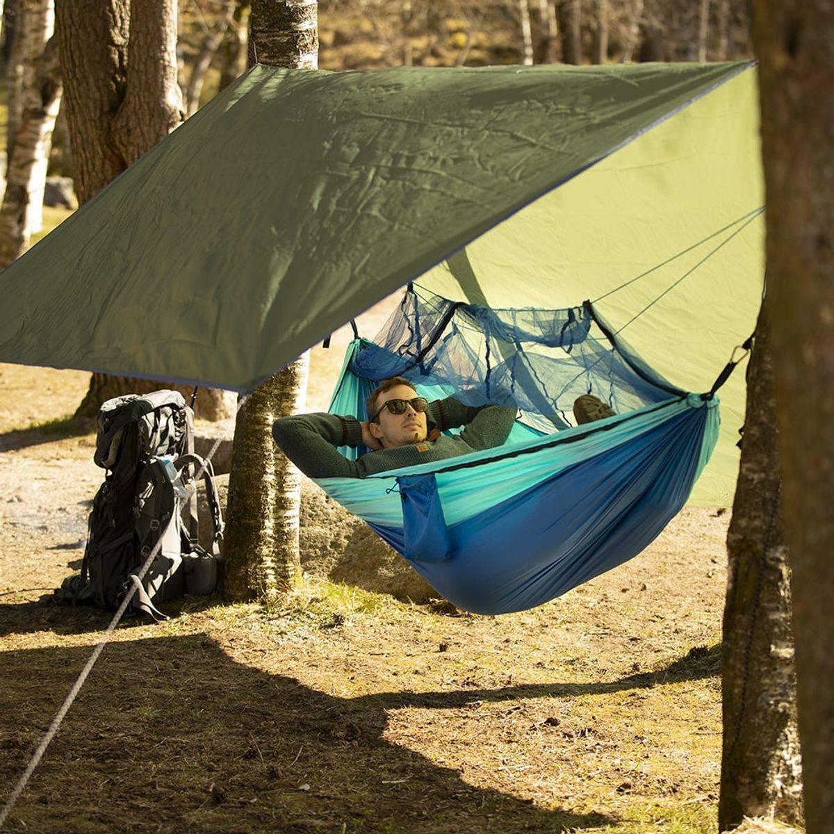 Pakketilbud: Hengekøye med myggnetting og tarp