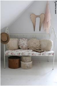Bilde av Sofa / seng i jern, kremfarget *BESTILLINGSVARE*