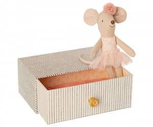 Bilde av Maileg dancing mouse in daybed, little sister /