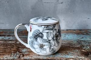 Bilde av Krus med lokk og tesil i gaveeske, grå