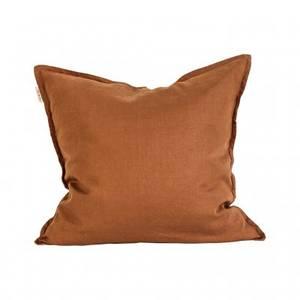 Bilde av Cushion linen 50x50 - amber