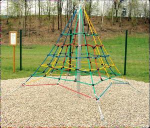 Klatre Pyramide 250 cm statisk