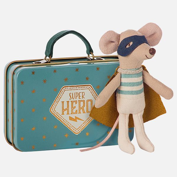 Bilde av Superhero Mouse in suitcase