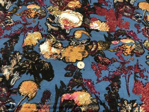 Bilde av Blomster skravert - Viskosejersey