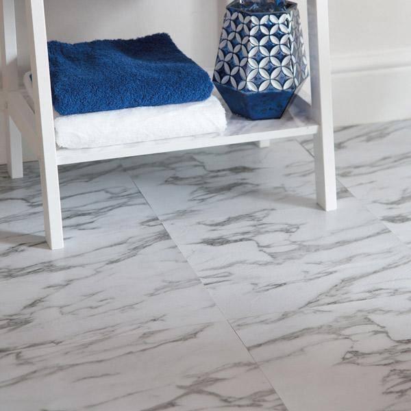Bilde av Premium Marmor selvklebende gulvfliser
