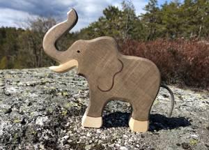 Bilde av Holztiger Elephant, trunk raised