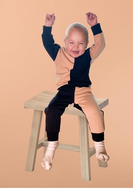 Bilde av Kids Colorblock Unisex Sweatshirt - Beige & Black