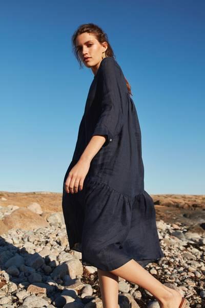 Bilde av CELESTS RAMIE DRESS NAVY KATRIN URI