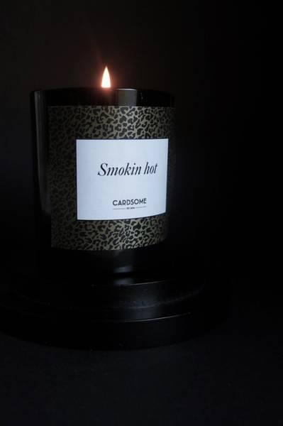 Bilde av CARDSOME SMOKIN HOT - SCENTED CANDLE BLACK