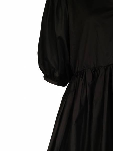 Bilde av ONE & OTHER BRIDGET DRESS BLACK