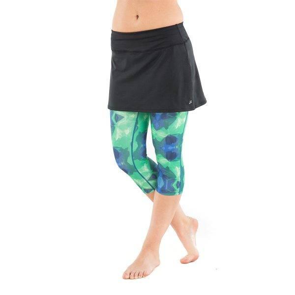Bilde av Lotta Breeze Capri Skirt Black/Emerald City Print