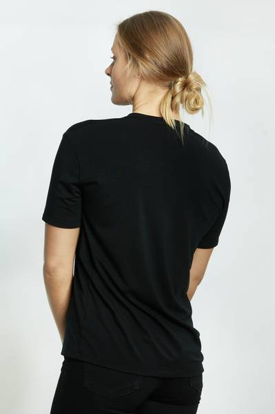 BRANDY T-SHIRT V HALS BLACK