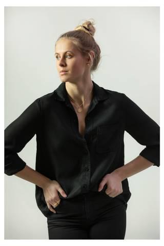Bilde av JAGGER SHIRT BLACK + WHITE  LEVERING OMGÅENDE