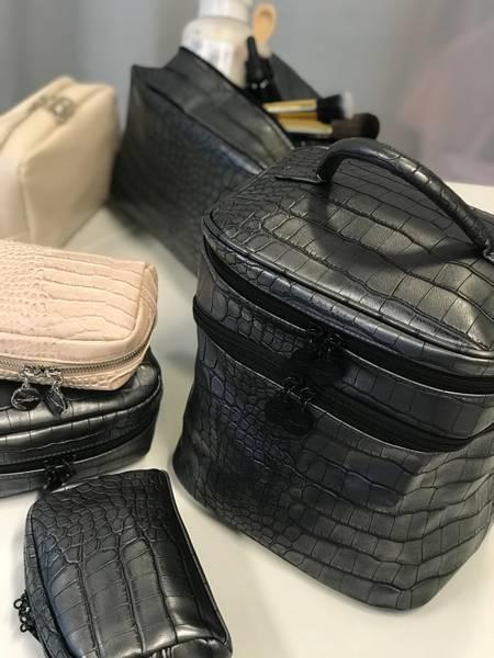 BEAUTY BAG SHIMMERY BLACK