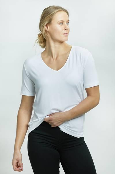 LISA T-SHIRT V HALS WHITE
