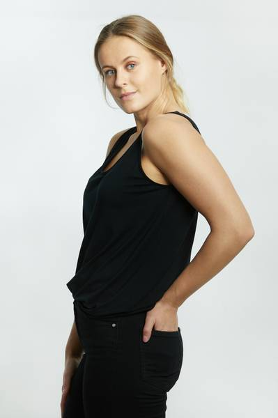 LISA SINGLET ROUND NECK BLACK