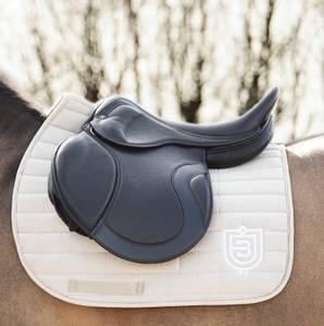 Bilde av Bullet Equestrian Saddle Pad Beige