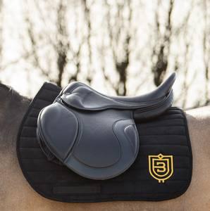 Bilde av Bullet Equestrian Saddle Pad Black