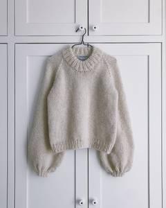 Bilde av Holiday Sweater av PetiteKnit