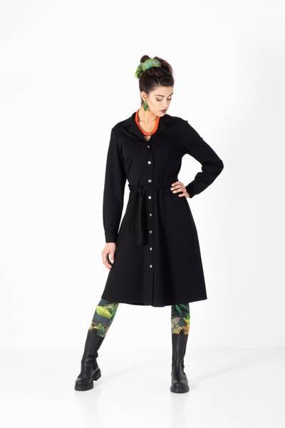 Bilde av Boheme 3/4 lang kjole m/knapper i black