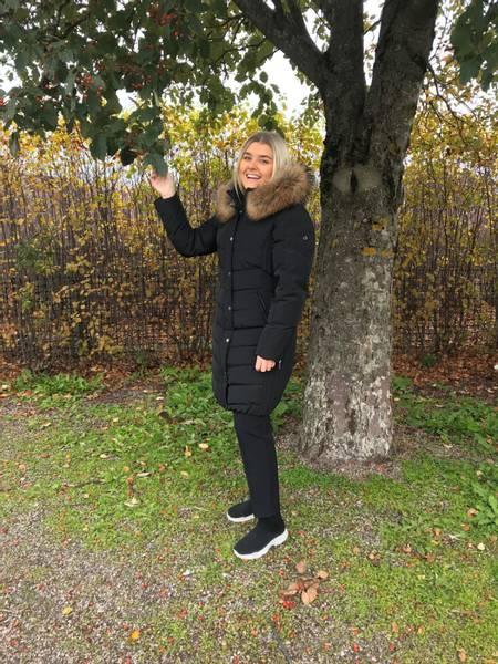 Bilde av Saki Evelyn dunjakke 3/4 lengde i black