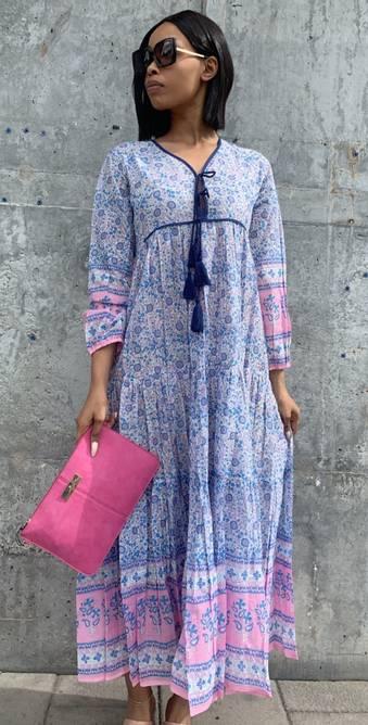 Bilde av HIPPI LOVE MIDI DRESS BLUE PINK
