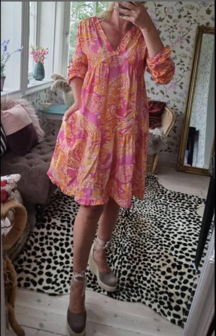 Bilde av LOVEFOREVER JANIKKE DRESS