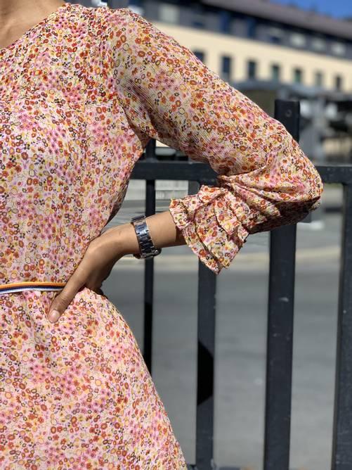 Bilde av MOLIIN KISS DRESS