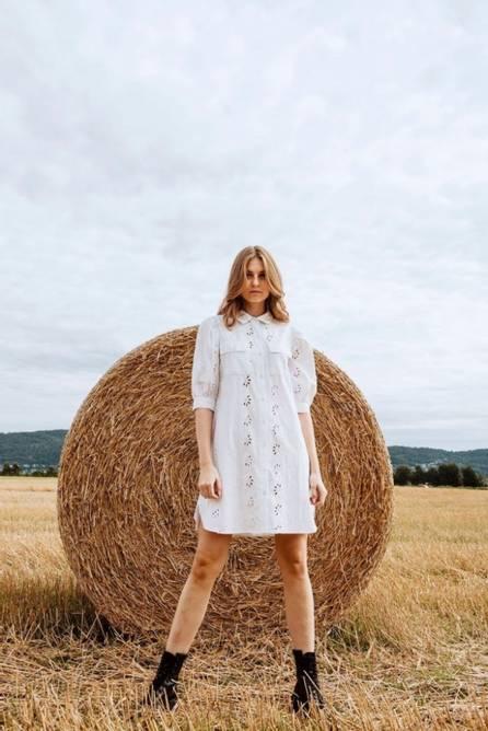 Bilde av MISSMAYA HILDE DRESS COTTON