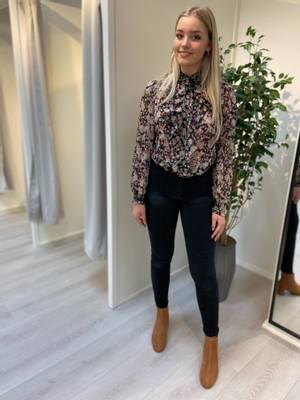 Bilde av CREAM - Skjorte Polina Black Flower Mix