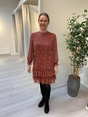 Bilde av HAUST - Feminine Favorite Dress Brick