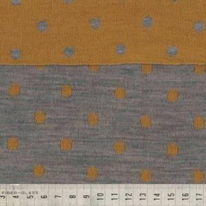 Bilde av Strikket merinoull - prikker i gul og grå